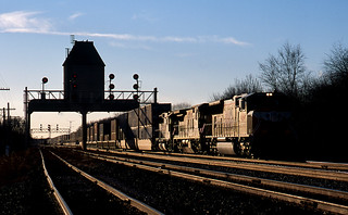 UP 4894 East, Nelson, ILL;  Dec 2001