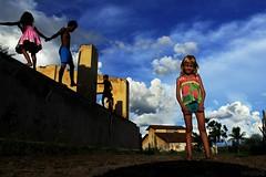 sertão luz (Tarcisinho) Tags: céu child pessoas people paisagem landscape cores colors momento action canon quixeramobim ceara nordeste sertão sky crianças