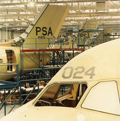 psa final assembly of the bae 146 at the hatfield-chester division december 1983. (San Diego Air & Space Museum Archives) Tags: aviation aircraft airplane airlines airliners pacificsouthwestairlines psa britishaerospace britishaerospace146 bae146 aircraftmanufacturing
