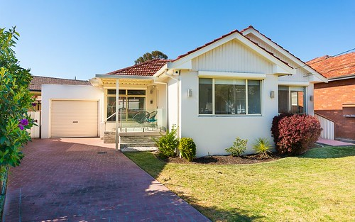 3 Ross Av, Kingsgrove NSW 2208