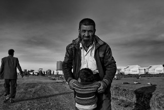 The father: refugee camp of Ghazer, Kurdistan