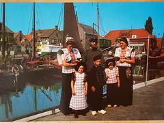Netherlands Spakenburg Costumes (DymphieH) Tags: postcards costumes netherlands offer2018
