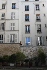 Dead End (jacqueline.p.21) Tags: hotelletrente impasseclairaut rueclairaut stone plants pottedplants shutters stonewall 17eme 17th batignolles france french paris