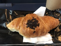 Chocolate filled croissant (Like_the_Grand_Canyon) Tags: food essen meal