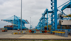 _DSC4547 (durr-architect) Tags: maasvlakte 2 rotterdam netherlands port authority sustainability ambition water sea dike beach terminal container automated guided vehicles agv quay cranes ship boat vessel