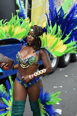 DSC_8465 Notting Hill Caribbean Carnival London Exotic Colourful Blue Green and Yellow Costume with Feather Headdress Girls Dancing Showgirl Performers Aug 27 2018 Stunning Ladies (photographer695) Tags: notting hill caribbean carnival london exotic colourful costume girls dancing showgirl performers aug 27 2018 stunning ladies blue green yellow with feather headdress