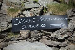 Je vais aller boire un café :) (bulbocode909) Tags: valais suisse nendaz cabanestlaurent montagnes nature panneaux cailloux vert
