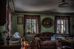 a beautiful old living room (Peters HDR hobby pictures) Tags: petershdrstudio hdr vintage old livingroom alteswohnzimmer altemöbel antik antic ausblick