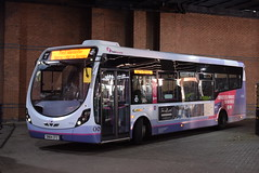 FW 47520 @ Worcester Crowngate bus station (ianjpoole) Tags: first worcestershire wright streetlite max sn64cfz 47520 sitting worcester crowngate bus station service