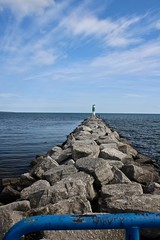 The Channel sea wall. (neukomment) Tags: lakehuron thunderbay alpenami michigan usa september 2018 beach harbor canoneosrebelt5i sigmalens 18250mmf3563dcosmacrohsm water greatlakes