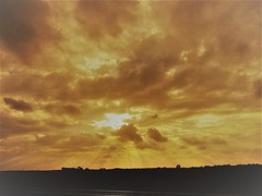 Slowly Setting Sun (Gary Chatterton 4 million Views) Tags: sunset slowlysetting sun clouds weather atmosphere perfectlight light eveningsky sky septembersky nature natural flickr explore photography canonpowershot