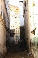 Backstreet (motohakone) Tags: jemen yemen arabia arabien dia slide digitalisiert digitized 1992 westasien westernasia ٱلْيَمَن alyaman kodachrome paperframe