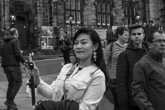 Smile _G5A0268 (ronniefleming@btinternet.com) Tags: street rawstreetphotography edinburghfringe2018 visitscotland streetphotographer bw blackandwhite portraiture candid ronniefleming ph31fy posing selfie