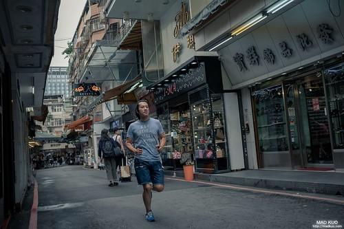 用這樣的速度,一起去跑步,大哥跑起來的樣子,讓我想到阿甘 run!Forrest run!
