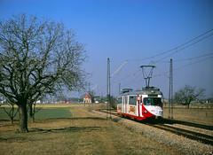 Überlandfeeling in Edingen (trainspotter64) Tags: strasenbahn streetcar tram tramway tranvia tramvaj tramwaje rheinneckar oeg düwag gt8 badenwürttemberg baden überlandbahn