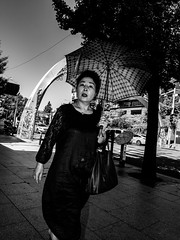 People on the streets of Seoul South Korea in summer 18-12.jpg (Ralphs Images) Tags: streetphotography mft travelmood sunset panasoniclumixg9 moods menschen asiatraveling 12mmwideangle foodonthestreets candidshots streetsofseoul olympuszuikolenses flashphotography southkorea stimmungen ralph´simages streetmarketpeopleinseoul peoplephotography