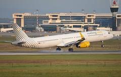 EC-MLD A321 Vueling (corrydave) Tags: 7105 a321 vueling milan malpensa ecmld