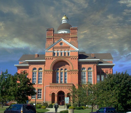 Paulding Ohio - Paulding Courthouse - Architecture - Richardsonian Romanesque