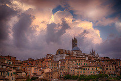 Siena rooftops (j0hnnyg) Tags: tuscanypisa siena italy 2018 toscana it weather clouds light rooftops