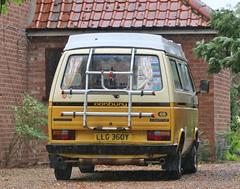 LLG 360Y (Nivek.Old.Gold) Tags: 1982 volkswagen transporter camping danbury camper 1970cc t3