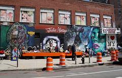 East Village, Manhattan (SomePhotosTakenByMe) Tags: mural wandbild graffiti urlaub vacation holiday usa america amerika nyc newyork newyorkcity newyorkstate manhattan stadt city downtown innenstadt eastvillage outdoor juliesvintage shop store geschäft laden