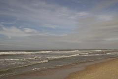 Oostkapelle (Omroep Zeeland) Tags: oostkapelle wolken wind water noordzee wolkenlucht branding strand nazomerdag zwemmers