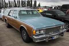 Caprice Wagon (Schwanzus_Longus) Tags: bremen german germany old classic vintage car vehicle station wagon estate break kombi combi chevrolet chevy caprice