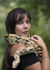 Wendy (Philippe RIquet) Tags: serpent boa sony a77mark2 tamron 70300mm usd france french flickr bretagne breizh brittany bzh femme portrait