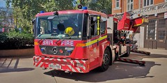 LFB Soho, Mercedes Econic Magirus Turntable Ladder. TL52. BX07 FND (standhisround) Tags: firerescue london londonfirebrigade lfb england uk emergency ladder mercedes tl52 magirus fire econic vehicle 999 911 appliance bluelight