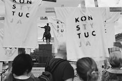 Warsaw, 2018 (Aleksander Kalka Photographiti) Tags: warsaw warschau warszawa varsavia demostration manifestazione demonstracja konstytucja nikon democracy f100 nikkor 35mm f2 d f2d blackwhite black white czarno białe bianco nero schwarzweiss film photography presidential place palac prezydencki krakowskie przedmiescie