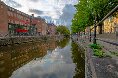 A piece of sky (RdeUppsala) Tags: uppsala cielo city ciudad stad clouds nubes moln sweden sverige suecia urban uppland urbano himmel reflejo reflection ricardofeinstein river fyris fyrisån río