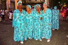 2010-02-06 Desfile de Llamadas en Montevideo (38) - Desfile de Llamadas (Parade der Rufe), Karnevalsumzug in Montevideo, Uruguay (mike.bulter) Tags: karneval carnival umzug parade karnevalsumzug desfiledellamadas frau menschen montevideo people southamerica suedamerika uruguay woman barriosur ury carnaval