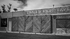phx 00938 (m.r. nelson) Tags: phoenix arizona az america southwest usa mrnelson marknelson markinaz streetphotography urban urbanlandscape artphotography newtopographic documentaryphotography blackwhite bw monochrome blackandwhite