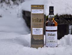 Whisky im Schnee (Andreas Gugau) Tags: lebensmittel scotch heilbronn badenwürttemberg deutschland deu whisky schnee winter eis