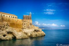 De dia (josmanmelilla) Tags: melilla mar agua azul faro fortaleza castillo cielo pwmelilla pwdmelilla flickphotowalk pwdemelilla