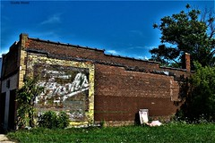 Stroh's-a ghost sign (SCOTTS WORLD) Tags: adventure abandoned architecture america angle artwork sky shadow sunlight summer sign sooc september sidewalk store green grass ghostsign strohs beer alcohol trees texture brick building detroit digital decay dilapidated detroitderek urban usa unitedstates urbex urbanexploring urbandecay urbanart 313 exploring empty clouds city color crusty light leaves landscape panasonic pov perspective