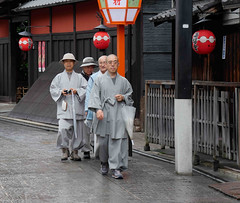 Monks_01 (DepictingPhotos) Tags: asia japan kyoto monks