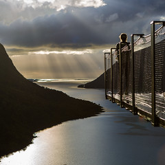 Viewpoint (Asbjørn Anders1) Tags: composition divinelight senja norway northernnorway viewpoint sea ocean clouds weather sunrays