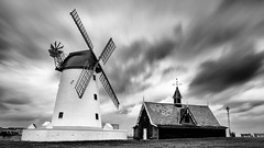 Lytham Windmill Long Exposure (justinclayton99) Tags: lytham lancashire uk fuji fujifilm xt2 long exposure mono monochrome blackandwhite bw sliver efex windmill cloud
