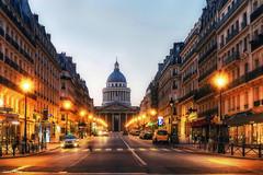 Paris_Rue Soufflot à l'heure des croissants (laurentcornu) Tags: travel architecture laurentcornu poselongue panthéon france cityscape paris