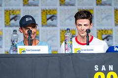 Tom Cavanagh and Grant Gustin (TheGeekLens) Tags: sdcc sandiegocomiccon 2018 sandiego comiccon celebrity event cw flash theflash tomcavanagh grantgustin