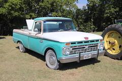 1966 Ford Pickup in Lindsay Texas (depotdude07) Tags: ford pickup classicautomobile truck lindsaytexas