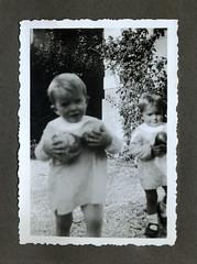 i gemelli Vignato a Vicenza - autunno 1936 (dindolina) Tags: italy italia veneto vicenza gemelli twins vignato family famiglia history storia 1936 1930s annitrenta thirties vintage
