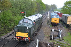 37029 / D6729 & 45132 (Will Swain) Tags: epping ongar railway spring diesel gala 28th april 2018 train trains rail railways transport travel uk britain vehicle vehicles england english preserved heritage williamsdigitalcamerapics100 37029 d6729 29 class 37 45132 132 45