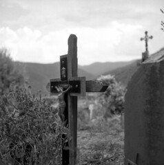 Thines graveyard (salparadise666) Tags: mamiya c330 sekor 80mm orange filter fomapan 10064 caffenol rs 15min nils volkmer vintage 6x6 medium format tlr analogue film camera thines france cevennes ardeche region cross graveyard religion bw black white monochrome square