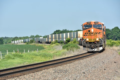 Headed for Rochelle. (Machme92) Tags: bnsf burligrton bn ge gevo railroad railfanning railroads railfans rails rail row railroading railfan