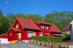 Red House (sfryers) Tags: traditional wooden house red colour trondheim norway smc pentaxfa 35mm 12 polariser