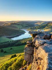 Lucky shot (Stephen Elliott Photography) Tags: peakdistrict derbyshire hopevalley bamford edge ladybower sunset sheep olympus kase filters 12100mm