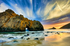 Le Ricordanze (Gio_guarda_le_stelle) Tags: sunset poesia leopardi bigsur california west pfeifferbeach travel i 4x4 landscape water sea seascape ocean clouds lights sunbeam violet amicizia life waitingfor awalk canon usa westcoast viaggio beautyful violetsand seascapes platinumheartaward