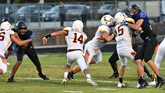 McMullens TD run (AppStateJay) Tags: 2018 action athlete athletics august away football game gryphons lincoln nikond500 north season sport tjca tarmon70200mmf28 tarmon70200mmf28dildifmacro thomasjeffersonclassicalacademy